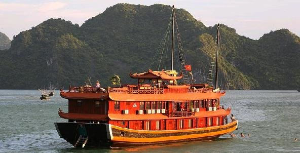 Halong Bay Phoenix Cruise