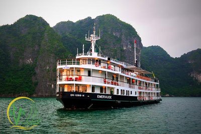 Emeraude Classic Cruise Halong Bay